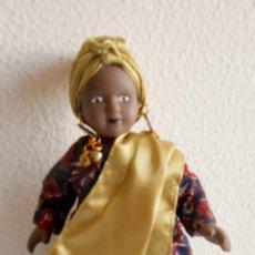Muñecas Porcelana: MUÑECA AFRICANA DE PORCELANA. Lote 147938666