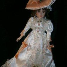 Porzellan-Puppen - MUÑECA DE PORCELA CON EXQUISITO VESTIDO - 151009346