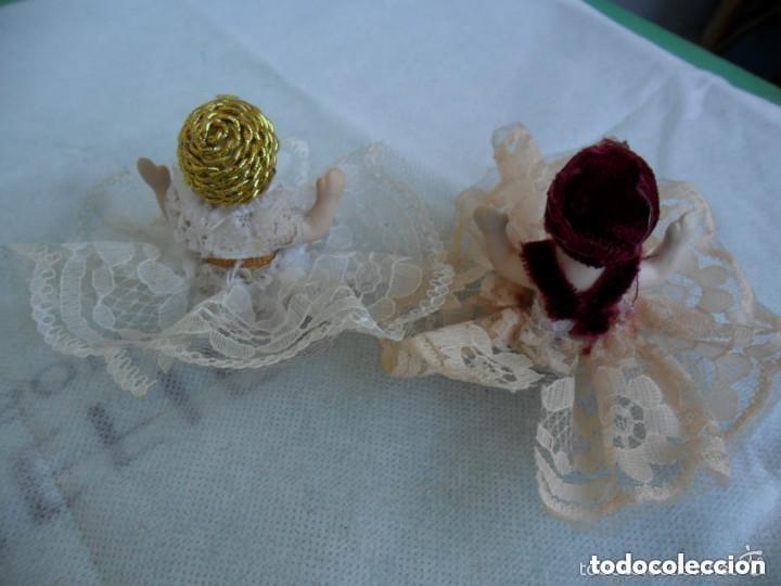 Muñecas Porcelana: PAREJA DE MUÑEQUITOS SENTADOS DE PORCELANA - CON TRAJE TÍPICO - Foto 3 - 151631826