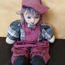 Muñecas Porcelana: MUÑECO PORCELANA Y TRAPO - MUY CURIOSO - 15 CM - AÑOS 70. Lote 154058974