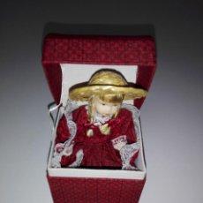 Muñecas Porcelana: CAJA-MUÑECA PEQUEÑA-VER FOTOS. Lote 156920610