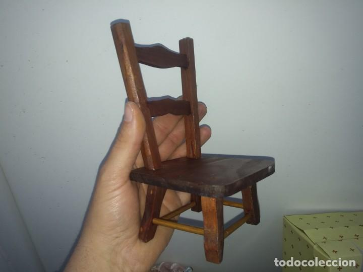 Muñecas Porcelana: MUÑECA de PORCELANA con silla de madera en su caja original REGAL ARTS rubia - Foto 3 - 156948578