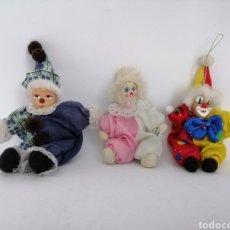 Muñecas Porcelana: PAYASOS ARLEQUINES PORCELANA Y TELA, RELLENOS DE ARENA.. Lote 157836564