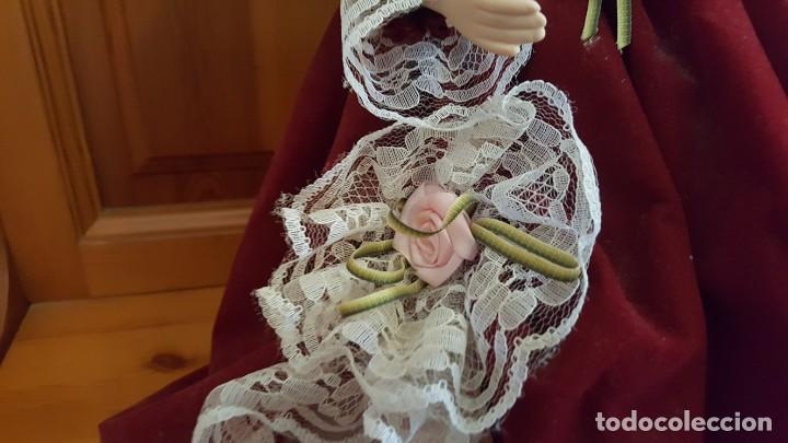 Muñecas Porcelana: ANTÍGUA MUÑECA. CARA BRAZOS Y PIERNAS DE PORCELANA. DISPONE DE BASE SOPORTE. AÑOS 50. - Foto 5 - 158304438