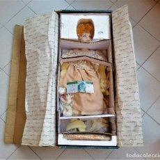 Muñecas Porcelana: MUÑECA PORCELANA GRANDE VINTAGE KEIN SPIELZEUG ALEMÁNA EN CAJA ORIGINAL NUEVA - 68.CM ALTO APROX. Lote 178194482