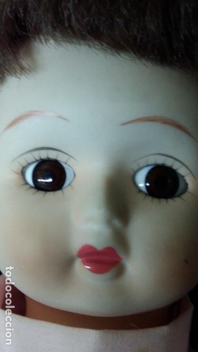 Muñecas Porcelana: ANTIGUA MUÑECA DE PORCELANA PRECIOSA CON VESTIDO EN ROSA CON ENCAJES DE ESTILO EPOCA - Foto 2 - 33195988