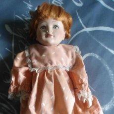 Muñecas Porcelana: ANTIGUA MUÑECA PORCELANA CARA ESMALTADA - CUERPO COMPLETO PORCELANA. Lote 166150286