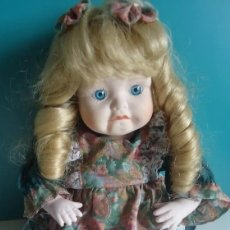 Muñecas Porcelana: PRECIOSA MUÑECA PORCELANA AUTÓMATA CON MELODIA MUSICAL DE RAMON INGLES ?. Lote 41335420