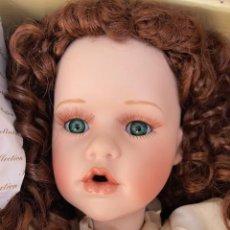 Muñecas Porcelana: MUÑECA DE PORCELANA AÑOS 90. HECHA A MANO. Lote 168646588