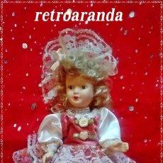 Muñecas Porcelana: MUÑECA DE PORCELANA CON VESTIDO DE EPOCA - 20 CENTIMETROS (SE ENCUENTRA EN BUEN ESTADO). Lote 171322375