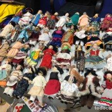 Muñecas Porcelana: LOTE DE 40 MUÑECAS DE PORCELANA ANTIGUAS DEL MUNDO (20 CM). Lote 171368494