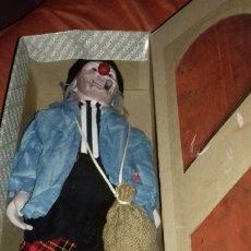 Muñecas Porcelana: MUÑECO PAYASO DE PORCELANA PORCELAIN DOLL TENJEN BUEN ESTADO.CAJA ROTURA. Lote 174004313