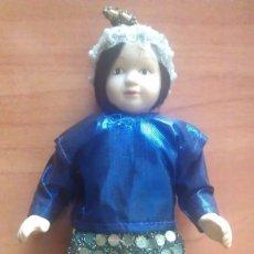 Muñecas Porcelana: MUÑECO PORCELANA. Lote 174962805