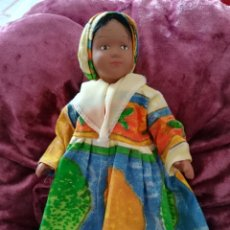 Muñecas Porcelana: MUÑECA CERÁMICA TÍPICA PAISES. Lote 175862787