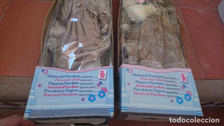 Muñecas Porcelana: ocasion coleccionistas dos antiguas muñecas de porcelana años 80 90 marca REGAL ARTS en su caja - Foto 4 - 178021575