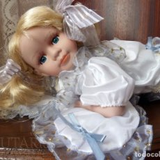 Muñecas Porcelana: MUÑECA DE PORCELANA TUMBADA EN COJÍN (ALEMANIA). Lote 181740556