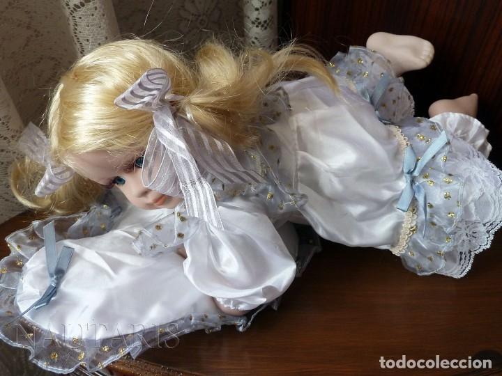 Muñecas Porcelana: Muñeca de porcelana tumbada en cojín (Alemania) - Foto 2 - 181740556