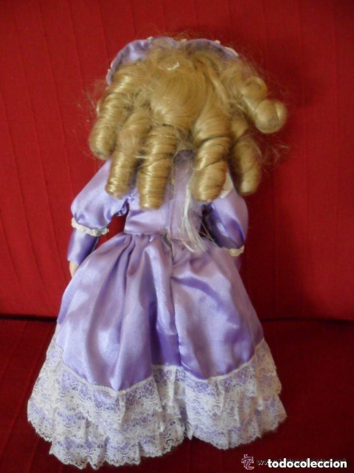 Muñecas Porcelana: MUÑECA DE PORCELANA CON VESTIDO CLÁSICO - Foto 5 - 183738160