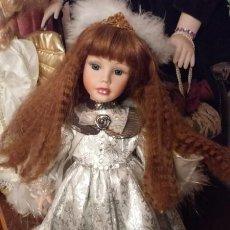 Muñecas Porcelana: MUÑECA ÁNGEL DE PORCELANA.CON MÚSICA. PIEZAS NUEVAS.CALIDAD.MARCADAS..NAVIDAD..COMUNIÓN.. Lote 184221481