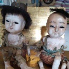 Muñecas Porcelana: DOS MUÑECOS JAPONESES POSIBLEMENTE DEL SIGLO XIX CABEZA DE PASTA GOFUN ORIENTALES JAPÓN. Lote 184570685