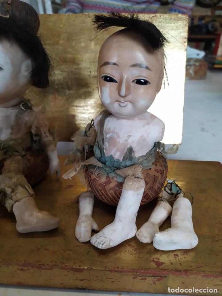 Muñecas Porcelana: Dos muñecos japoneses posiblemente del siglo XIX cabeza de pasta gofun orientales Japón - Foto 4 - 184570685