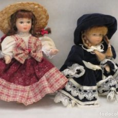 Muñecas Porcelana: 2 PEQUEÑAS MUÑECAS DE PORCELANA. 12CM.. Lote 186257480
