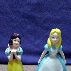 Muñecas Porcelana: 2 MUÑECAS DISNEY DE PORCELANA. MADE IN JAPAN.. Lote 186950491