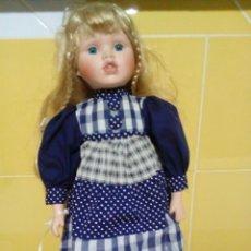 Muñecas Porcelana: MUÑECA BRITANICA DE PORCELANA 42 CM. Lote 187127511