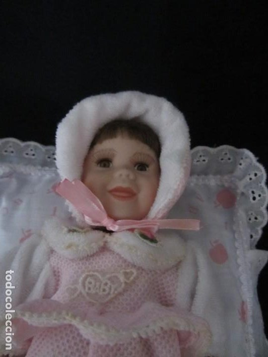 Muñecas Porcelana: Pequeña muñeca de porcelana. 20cm. Yalda. - Foto 2 - 189427395