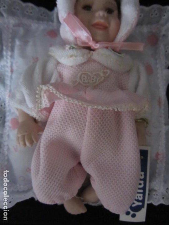 Muñecas Porcelana: Pequeña muñeca de porcelana. 20cm. Yalda. - Foto 4 - 189427395
