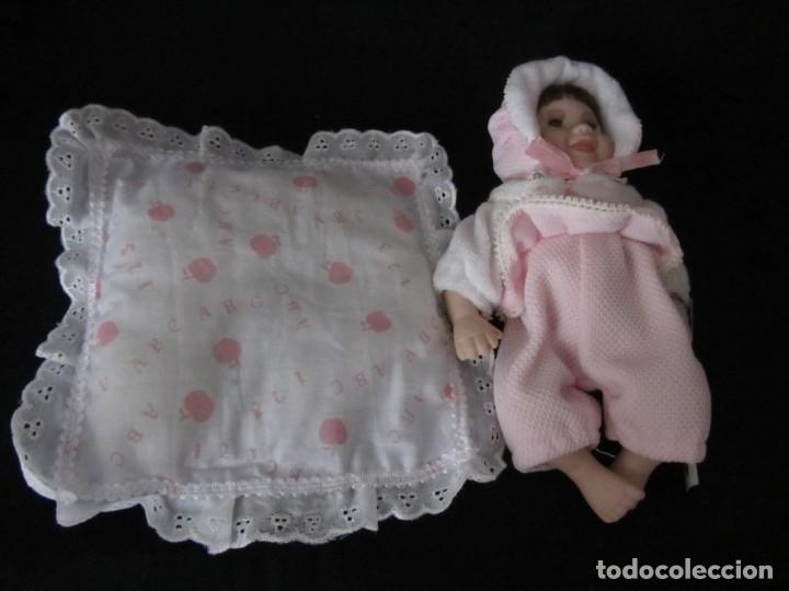 Muñecas Porcelana: Pequeña muñeca de porcelana. 20cm. Yalda. - Foto 7 - 189427395