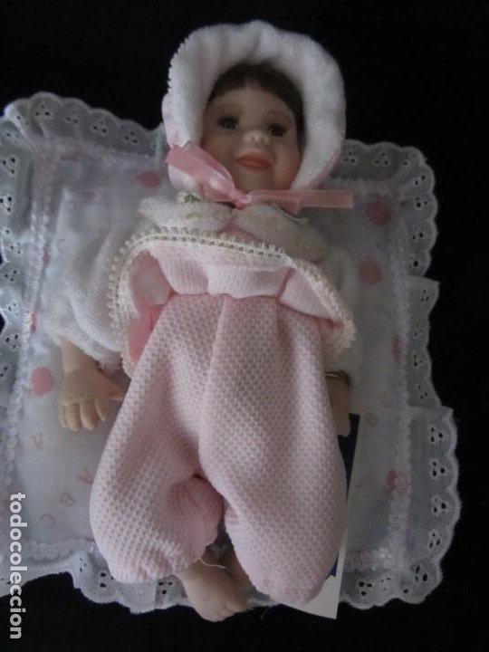 Muñecas Porcelana: Pequeña muñeca de porcelana. 20cm. Yalda. - Foto 9 - 189427395