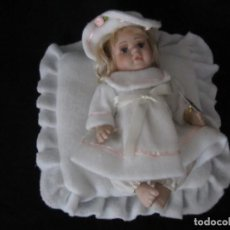 Muñecas Porcelana: PEQUEÑA MUÑECA DE PORCELANA. 20CM. YALDA.. Lote 189427547