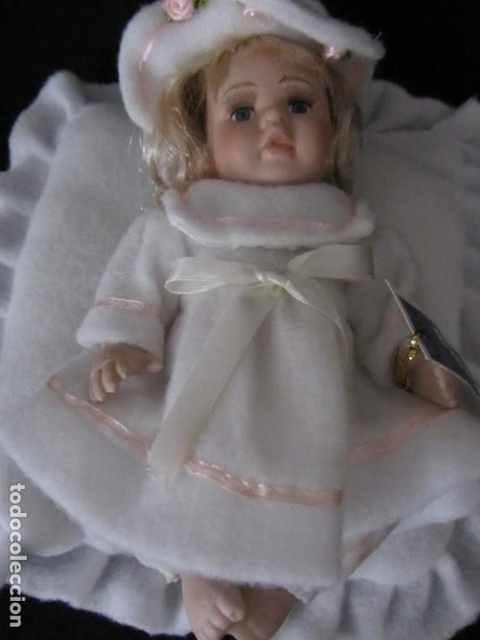 Muñecas Porcelana: Pequeña muñeca de porcelana. 20cm. Yalda. - Foto 2 - 189427547
