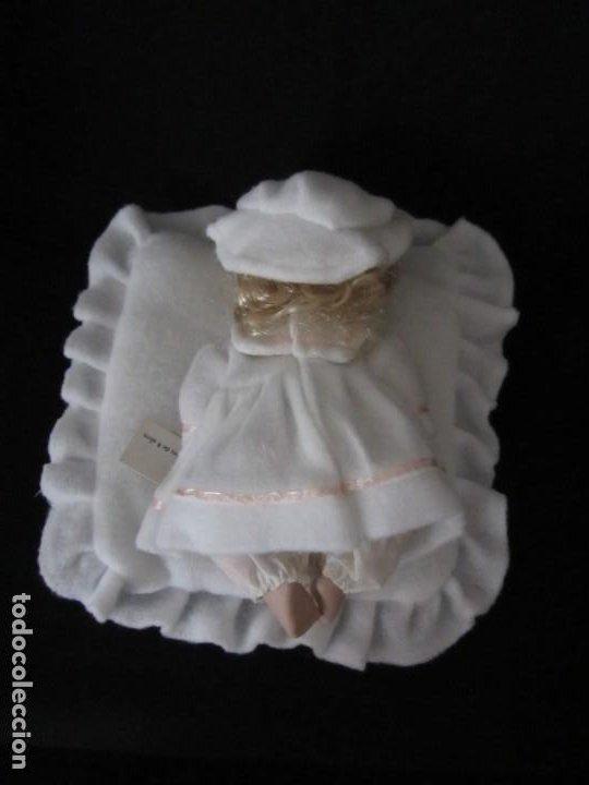 Muñecas Porcelana: Pequeña muñeca de porcelana. 20cm. Yalda. - Foto 4 - 189427547