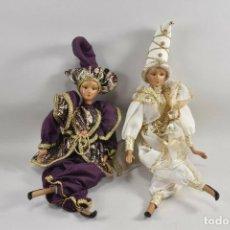 Muñecas Porcelana: DOS PRECIOSOS MUÑECOS DE PORCELANA ARLEQUINES 41,5 CM 226,00 €. Lote 193008757