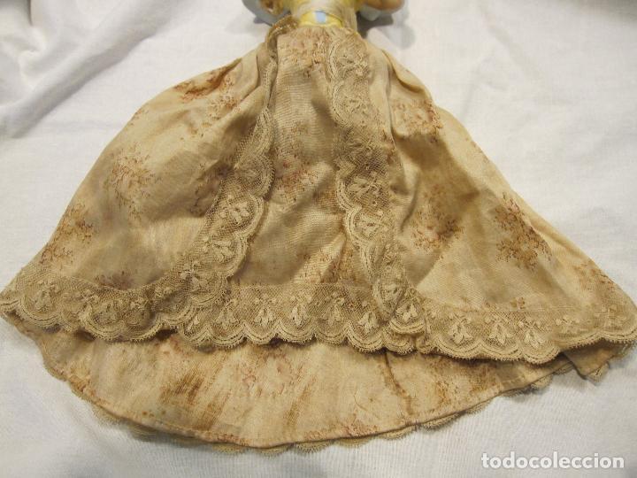 Muñecas Porcelana: MUÑECA DE PORCELANA. SOLO TORSO. CON VESTIDO. TAPÓN? HACIA 1900 - Foto 8 - 193734561