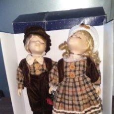 Muñecas Porcelana: MUÑECAS DE PORCELANA PAREJA. DOLL. Lote 159844830