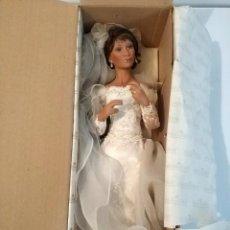 Muñecas Porcelana: MUÑECA PORCELANA ASHTON DRAKE VESTIDO NOVIA EN CAJA. Lote 194489080