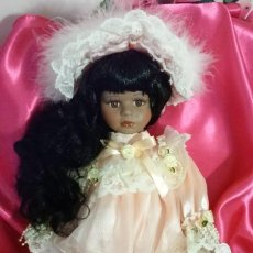 Muñecas Porcelana: MUÑECA PORCELANA NUEVA. MULATA. NEGRA.. REGALO SOPORTE.COLECCION.. NAVIDAD. COMUNIÓN. PRECIOSA.. Lote 196549195