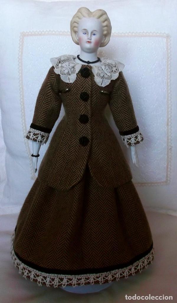 Muñecas Porcelana: Preciosa muñeca Parian hacia 1870, elaborado peinado, cuerpo original, vestida completa - Foto 2 - 201963712
