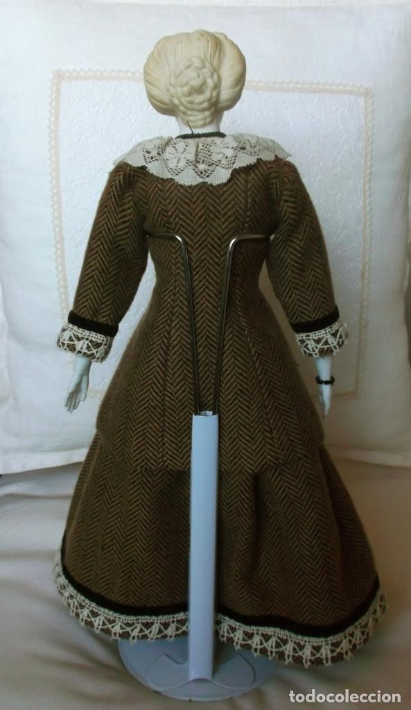 Muñecas Porcelana: Preciosa muñeca Parian hacia 1870, elaborado peinado, cuerpo original, vestida completa - Foto 3 - 201963712