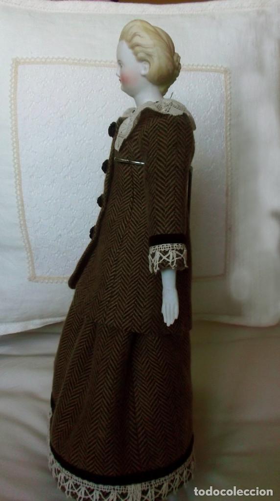 Muñecas Porcelana: Preciosa muñeca Parian hacia 1870, elaborado peinado, cuerpo original, vestida completa - Foto 4 - 201963712