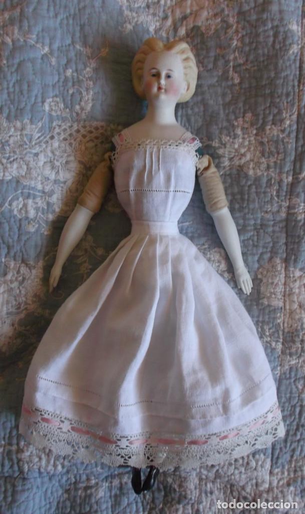Muñecas Porcelana: Preciosa muñeca Parian hacia 1870, elaborado peinado, cuerpo original, vestida completa - Foto 6 - 201963712