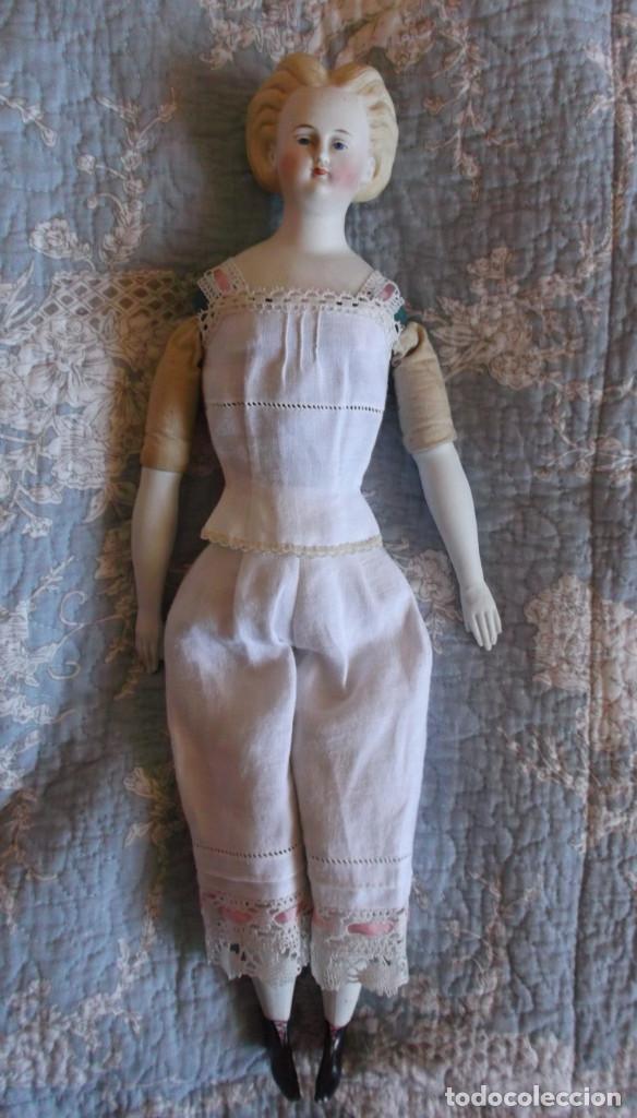 Muñecas Porcelana: Preciosa muñeca Parian hacia 1870, elaborado peinado, cuerpo original, vestida completa - Foto 7 - 201963712