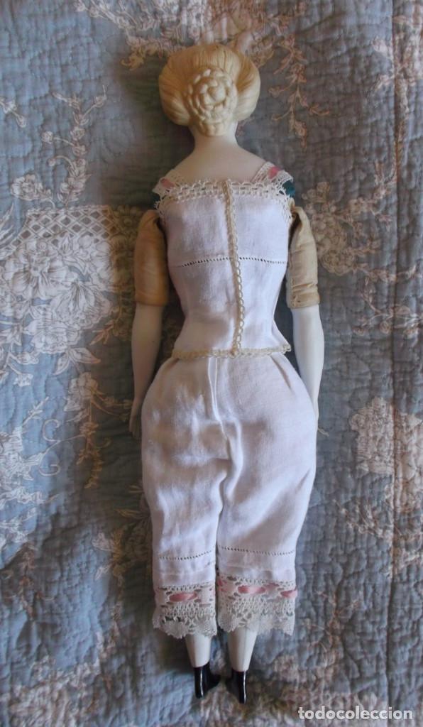 Muñecas Porcelana: Preciosa muñeca Parian hacia 1870, elaborado peinado, cuerpo original, vestida completa - Foto 8 - 201963712