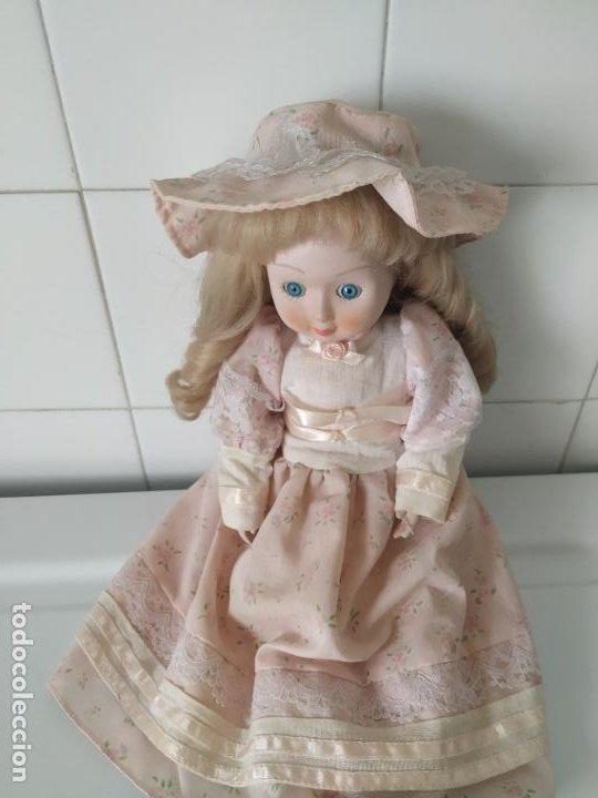 Muñecas Porcelana: Preciosa muñeca de porcelana (cabeza, 1/2 brazo, 1/2 pierna) cuerpo trapo. Años 60/70. 40 cm. - Foto 3 - 202420037