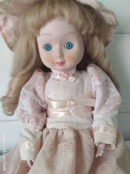 Muñecas Porcelana: Preciosa muñeca de porcelana (cabeza, 1/2 brazo, 1/2 pierna) cuerpo trapo. Años 60/70. 40 cm. - Foto 5 - 202420037