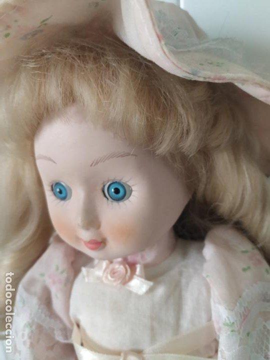 Muñecas Porcelana: Preciosa muñeca de porcelana (cabeza, 1/2 brazo, 1/2 pierna) cuerpo trapo. Años 60/70. 40 cm. - Foto 6 - 202420037