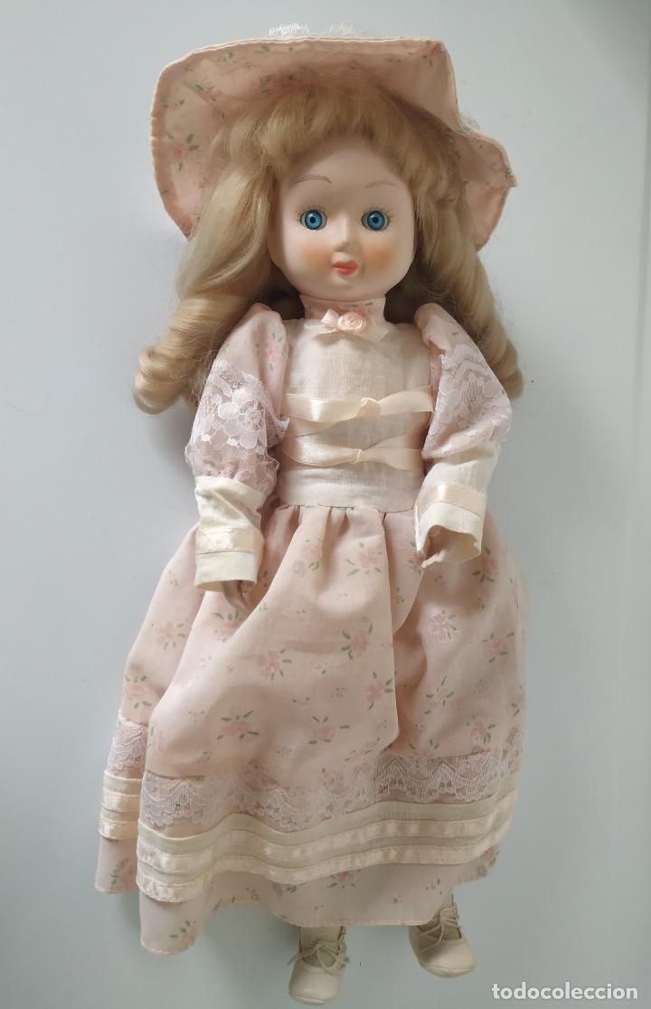 Muñecas Porcelana: Preciosa muñeca de porcelana (cabeza, 1/2 brazo, 1/2 pierna) cuerpo trapo. Años 60/70. 40 cm. - Foto 8 - 202420037